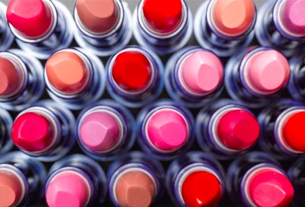 <u>WAT beauty…<br/>LIPSTICK LOWDOWN</u>