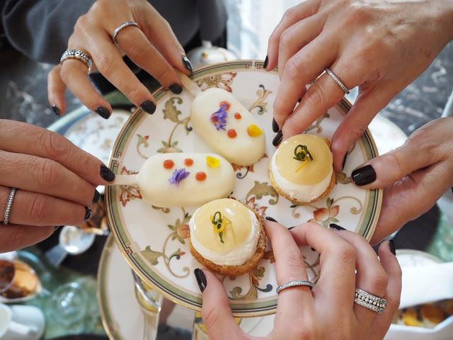 <u>TEA, CAKE & JEWELS</u>